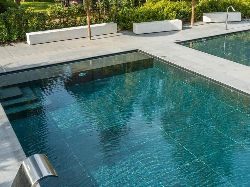 Project met zwembad in tuin