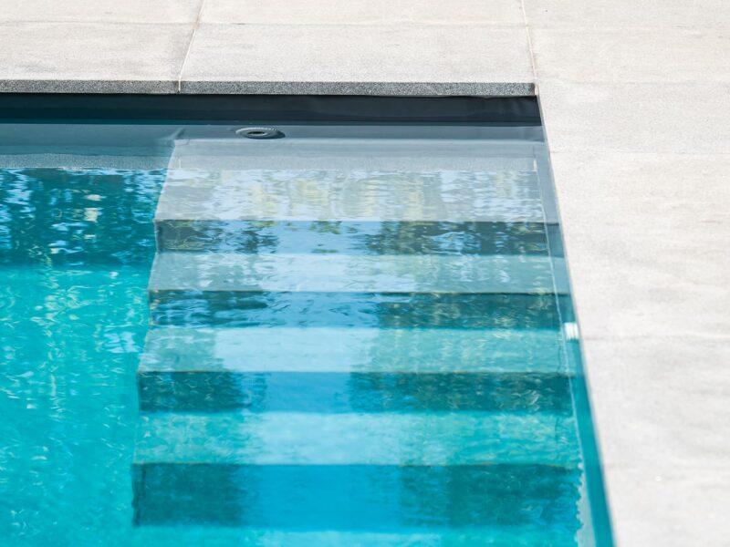 Zwembad aanleg in tuin