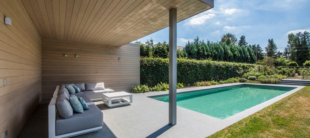 Moderne poolhouse met zwembad