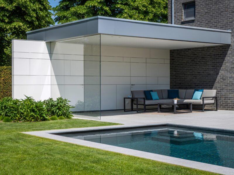 Poolhouse met zwembad